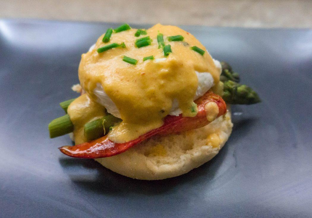 Recette œufs bénédictine aux homard et asperges